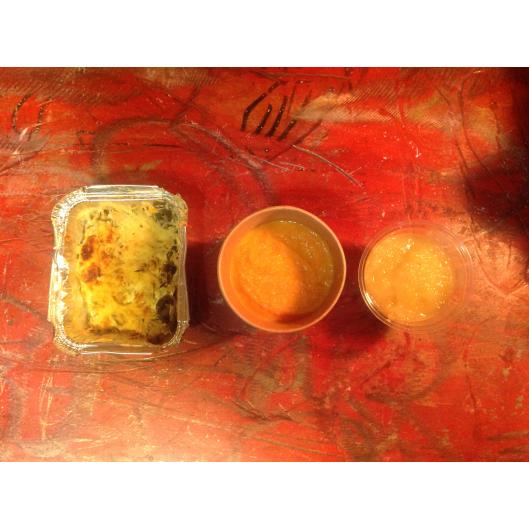 formule hiver:Velouté patate douce  et poire, compote de pomme maison,boisson