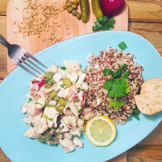 Salade poisson et quinoa sauce ravigote