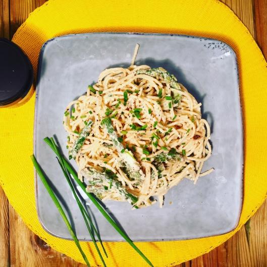 Spaghettis à la crème de  burrata di buffala et asperges vertes